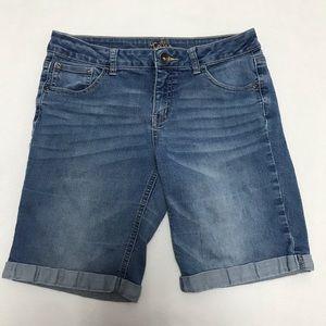 Justice jean Bermuda shorts size 14.5